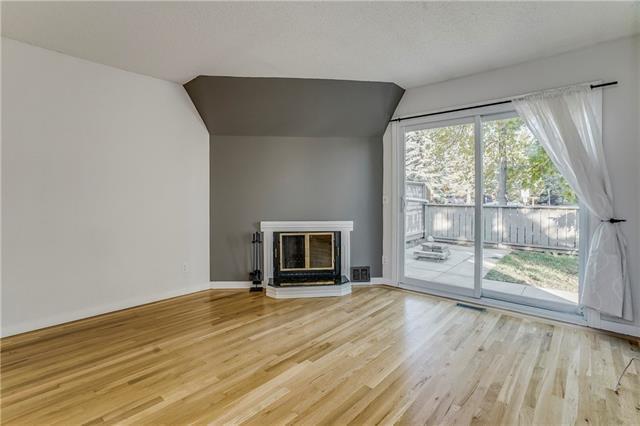 829 Coach Bluff Crescent SW #304, Calgary, AB T3H 1B1 (#C4204727) :: Redline Real Estate Group Inc