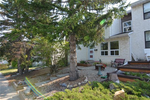 6531 Huntsbay Road NW, Calgary, AB T2K 5R3 (#C4204728) :: The Cliff Stevenson Group