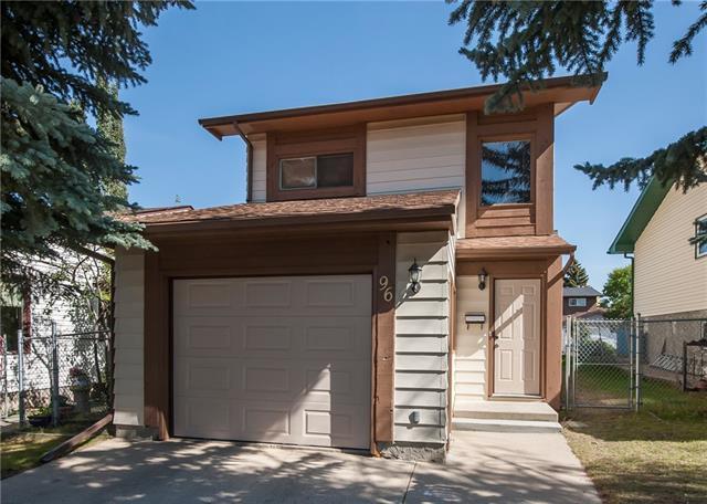 96 Beaconsfield Road NW, Calgary, AB T3K 1X7 (#C4204793) :: The Cliff Stevenson Group