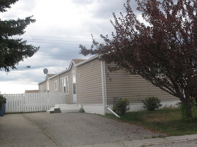 130 Erin Woods Circle SE, Calgary, AB T2B 3E1 (#C4204805) :: Redline Real Estate Group Inc