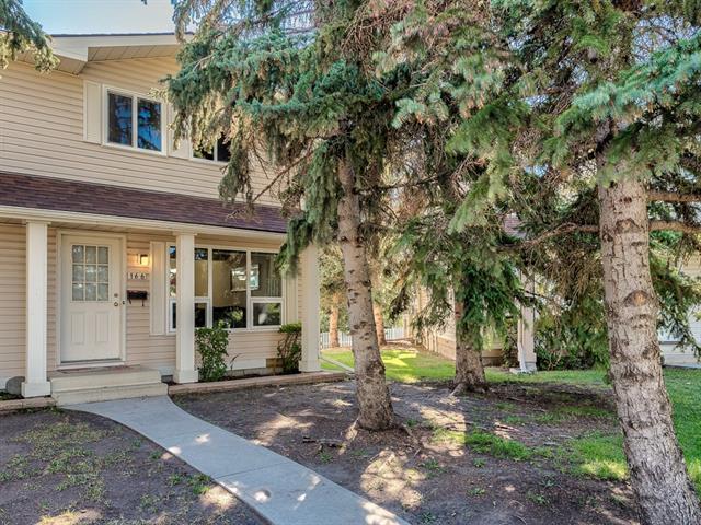 166 Woodmont Terrace SW, Calgary, AB T3M 0M6 (#C4204821) :: Redline Real Estate Group Inc