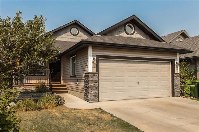 102 Channelside Cove SW, Airdrie, AB T4B 3J1 (#C4204987) :: Canmore & Banff
