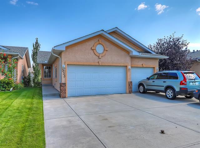 333 Harvest Lake Green NE, Calgary, AB T3K 4R1 (#C4205004) :: Redline Real Estate Group Inc