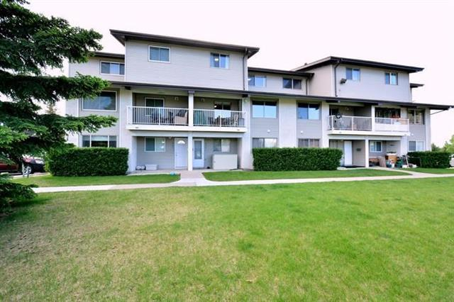 200 Brookpark Drive SW #226, Calgary, AB T2W 3E5 (#C4205186) :: Redline Real Estate Group Inc