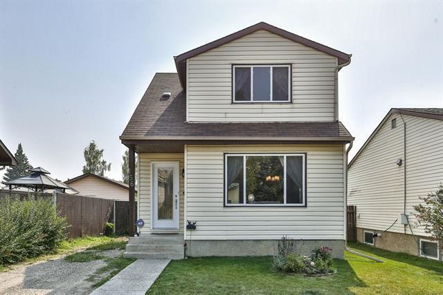 156 Fallswater Road NE, Calgary, AB T3J 1B3 (#C4205199) :: Redline Real Estate Group Inc