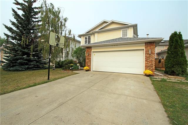 208 Coral Keys Drive NE, Calgary, AB T3J 3K7 (#C4205374) :: Redline Real Estate Group Inc