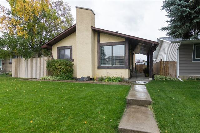 16 Castleridge Crescent NE, Calgary, AB T3J 1N7 (#C4205389) :: Redline Real Estate Group Inc