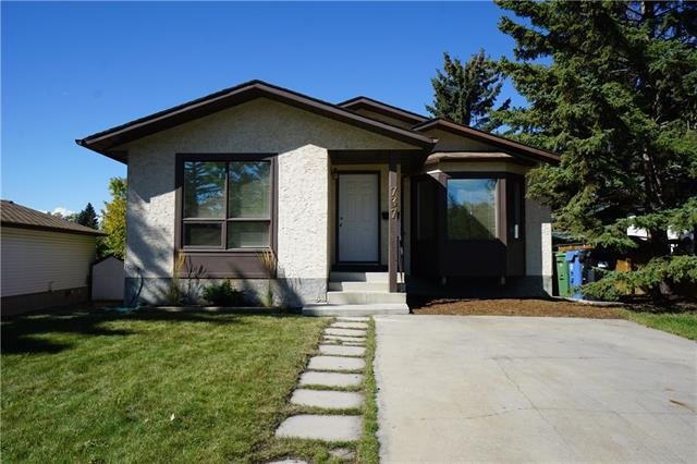 737 Ranchview Circle NW, Calgary, AB T3G 1A9 (#C4205500) :: Redline Real Estate Group Inc