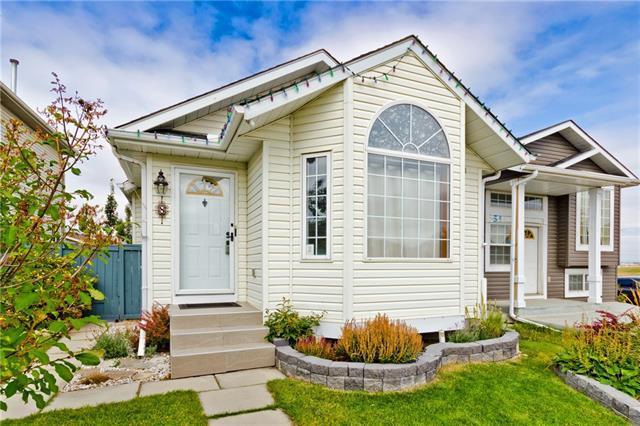 8 Covington Court NE, Calgary, AB T3K 4L9 (#C4205594) :: Redline Real Estate Group Inc