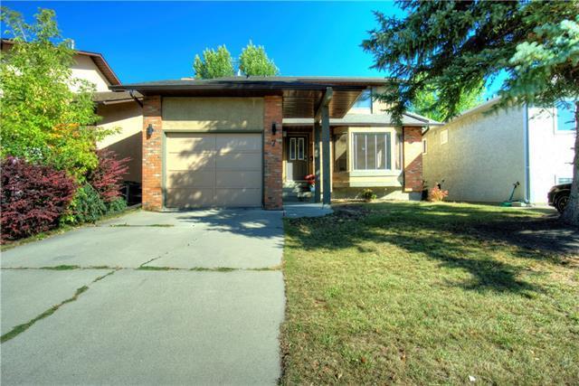7 Cedarbrook Place SW, Calgary, AB T2W 4T4 (#C4205710) :: The Cliff Stevenson Group