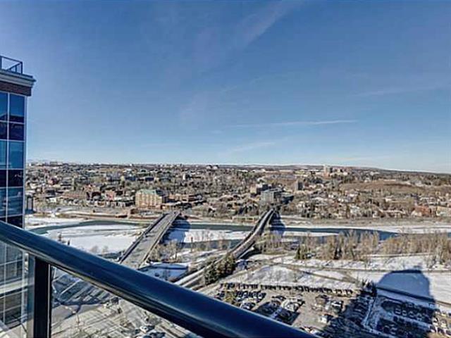 910 5 Avenue SW #2501, Calgary, AB T2P 0C3 (#C4205777) :: Calgary Homefinders