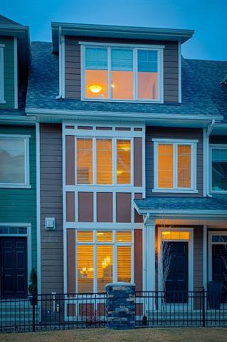 1646 28 Avenue SW, Calgary, AB  (#C4205794) :: Redline Real Estate Group Inc