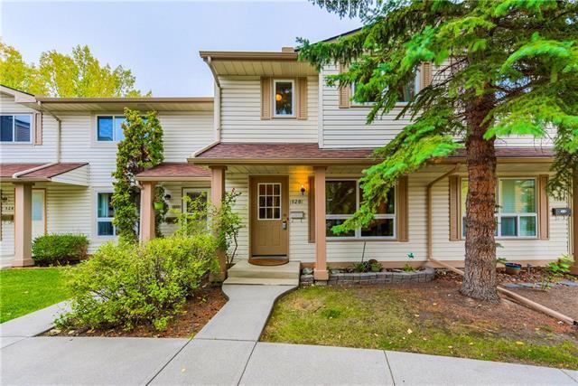 120 Woodmont Terrace SW, Calgary, AB T2W 4Z4 (#C4205796) :: Redline Real Estate Group Inc