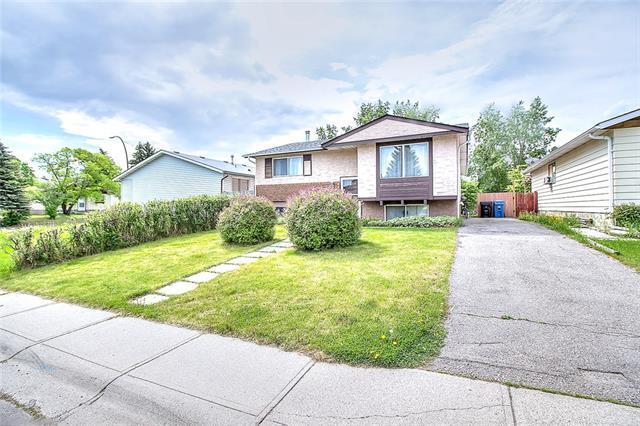 656 Fonda Court SE, Calgary, AB T2A 6G4 (#C4205826) :: Your Calgary Real Estate