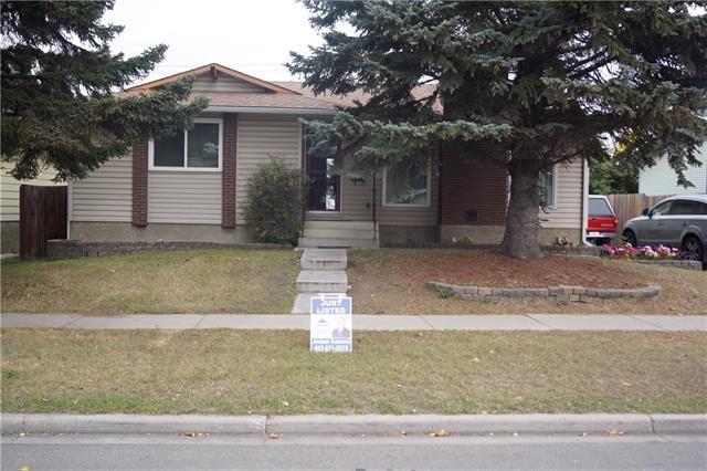 4776 Rundlehorn Drive NE, Calgary, AB T1Y 2N4 (#C4205899) :: Redline Real Estate Group Inc