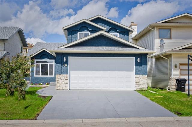 76 Hawkdale Close NW, Calgary, AB T3G 3A6 (#C4205950) :: Redline Real Estate Group Inc