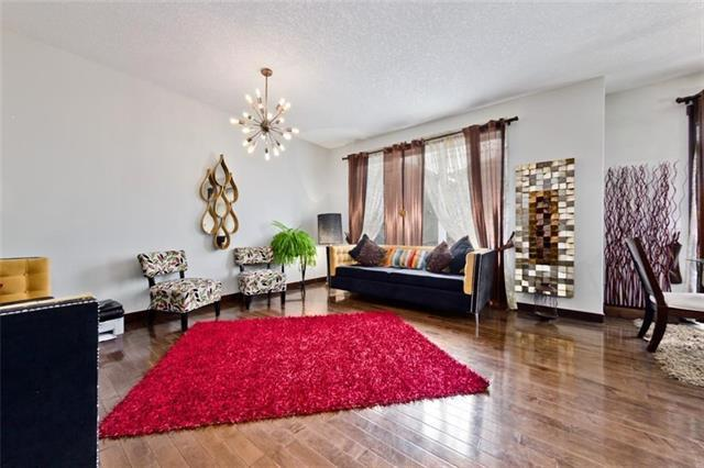 33 Saddlelake Gardens NE, Calgary, AB T3J 0R6 (#C4205959) :: Redline Real Estate Group Inc