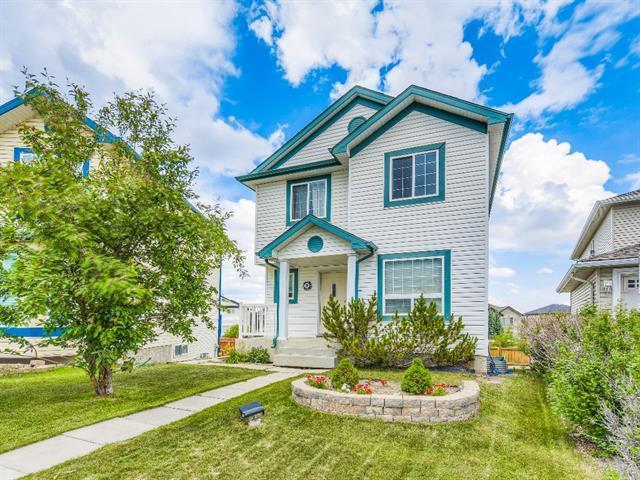 38 Covewood Circle NE, Calgary, AB T3K 5P7 (#C4205997) :: Redline Real Estate Group Inc