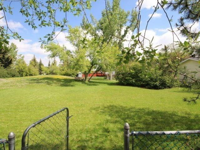 533 Oakridge Way SW, Calgary, AB T2V 1T5 (#C4206006) :: Redline Real Estate Group Inc