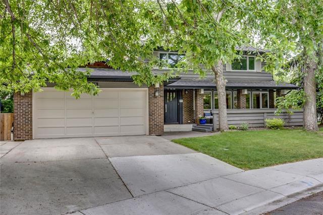 215 Canova Place SW, Calgary, AB T2W 2E9 (#C4206035) :: The Cliff Stevenson Group