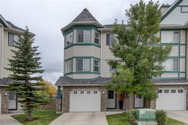 8 Cougar Ridge Mews SW, Calgary, AB T3H 5P4 (#C4206040) :: Redline Real Estate Group Inc