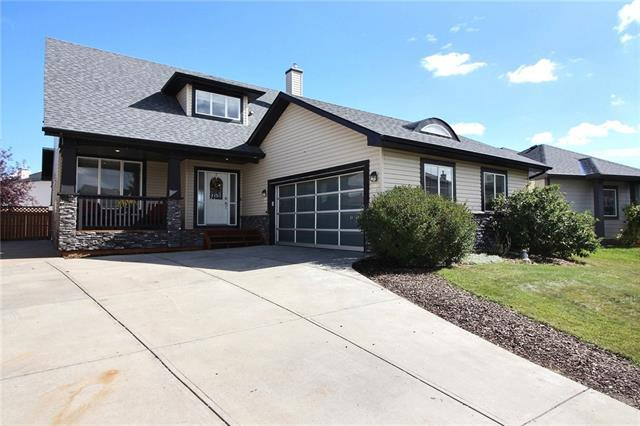 242 Canoe Square SW, Airdrie, AB T4B 2N6 (#C4206084) :: Canmore & Banff