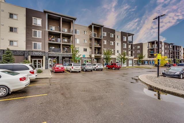 403 Mackenzie Way SW #7402, Airdrie, AB T4B 3V7 (#C4206121) :: Canmore & Banff