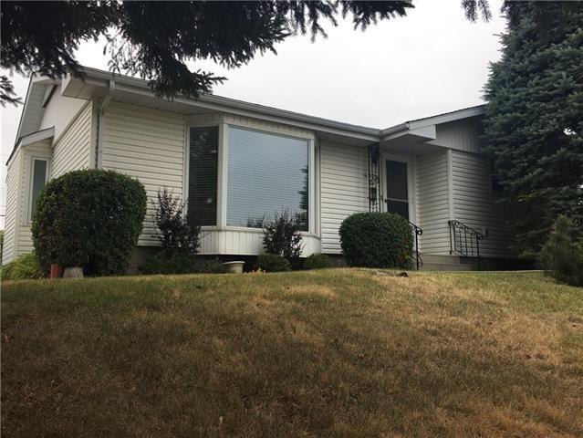 4304 40 Street NW, Calgary, AB T3A 0H6 (#C4206136) :: Redline Real Estate Group Inc