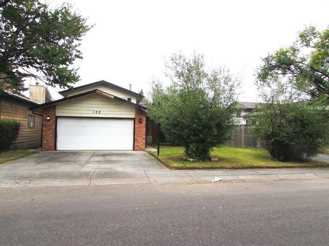 152 Templeton Circle NE, Calgary, AB T1Y 4G5 (#C4206163) :: Redline Real Estate Group Inc