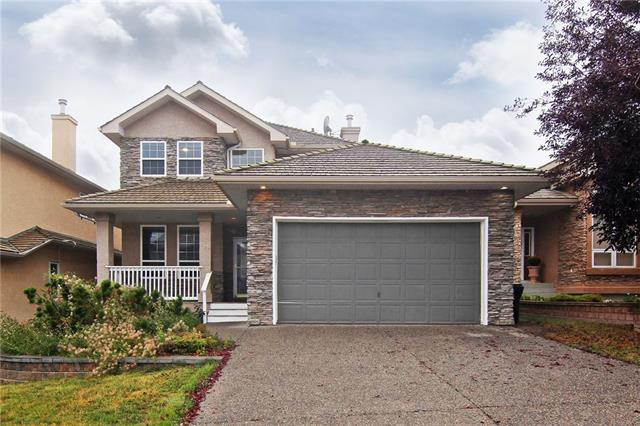 11 Royal Crest Way NW, Calgary, AB T3G 4M8 (#C4206175) :: The Cliff Stevenson Group