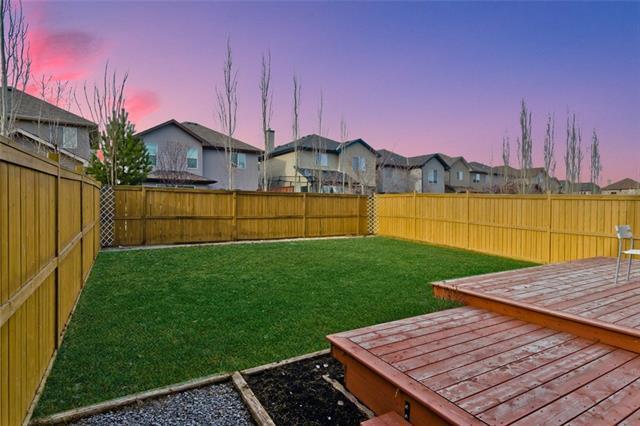 1800 New Brighton Drive SE, Calgary, AB T2Z 0J7 (#C4206192) :: Canmore & Banff