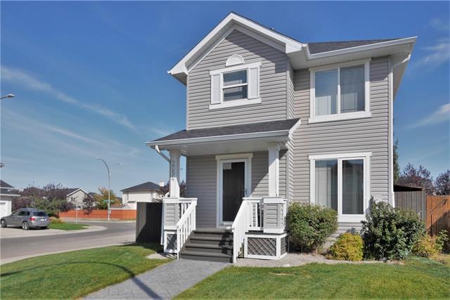 2094 Bridlemeadows Manor SW, Calgary, AB T2Y 4R9 (#C4206333) :: Redline Real Estate Group Inc