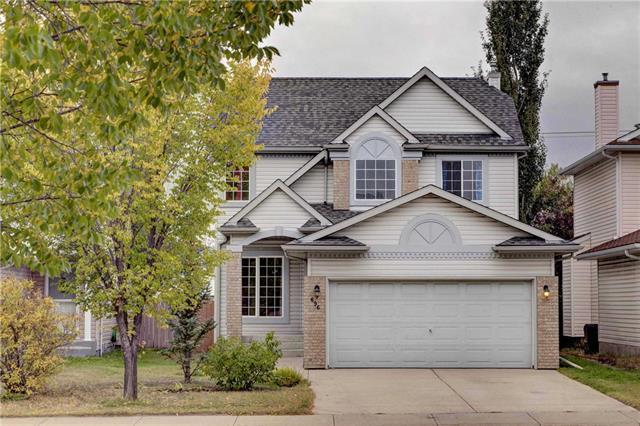 696 Harvest Hills Drive NE, Calgary, AB T3K 4H6 (#C4206352) :: Redline Real Estate Group Inc