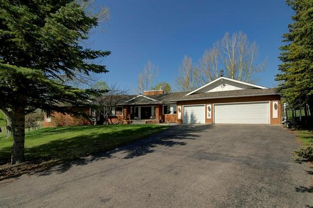 6 Pinetree Drive SW, Rural Rocky View County, AB T3Z 3K4 (#C4206446) :: Redline Real Estate Group Inc