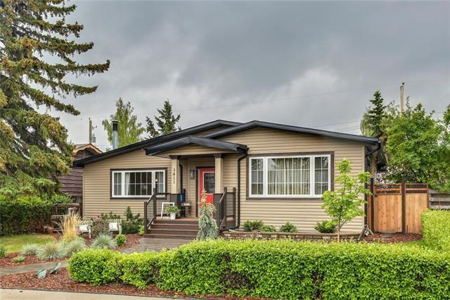1411 108 Avenue SW, Calgary, AB T2W 0C5 (#C4206454) :: Redline Real Estate Group Inc