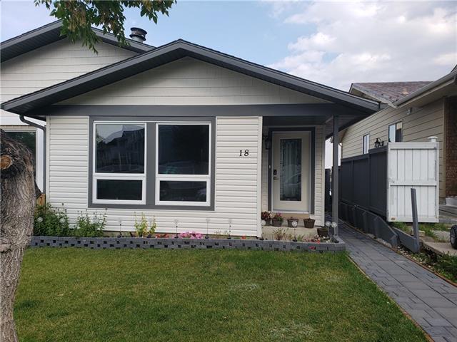 18 Macewan Park Road NW, Calgary, AB T3K 3G4 (#C4206483) :: Redline Real Estate Group Inc