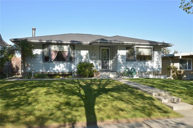 716 64 Avenue NW, Calgary, AB T2K 0M4 (#C4206565) :: Redline Real Estate Group Inc