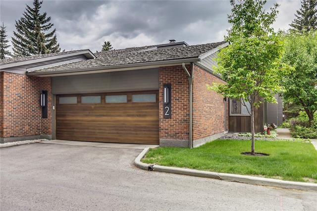68 Baycrest Place SW #2, Calgary, AB T2V 0K6 (#C4206598) :: Your Calgary Real Estate