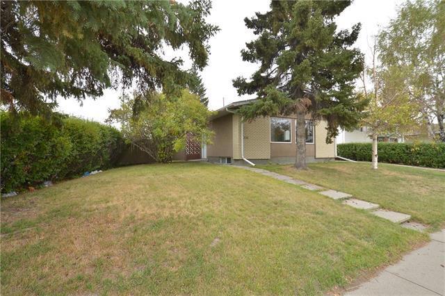 330 Whitney Crescent SE, Calgary, AB T2J 1E9 (#C4206603) :: Redline Real Estate Group Inc