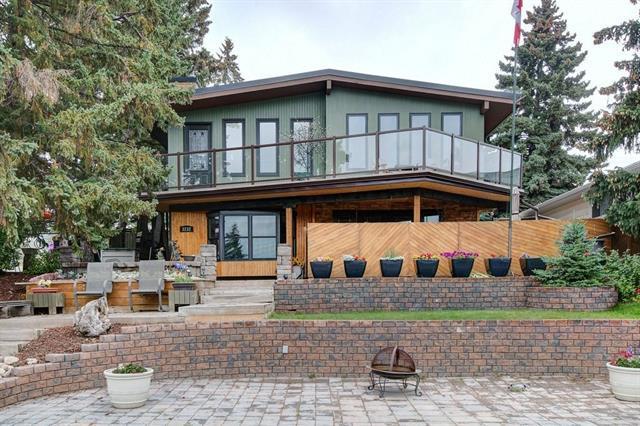 3232 15 Street NW, Calgary, AB T2L 0R1 (#C4206642) :: Redline Real Estate Group Inc