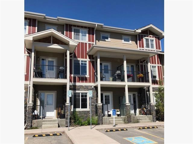46 West Coach Manor SW, Calgary, AB T3H 1R7 (#C4206696) :: Your Calgary Real Estate
