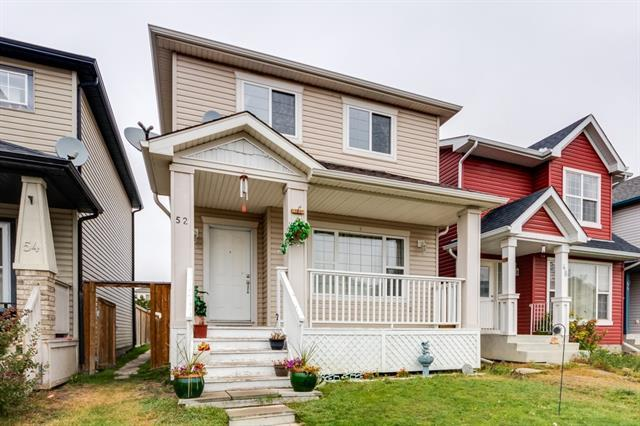 52 Saddlecrest Place NE, Calgary, AB T3J 5E8 (#C4206741) :: Redline Real Estate Group Inc