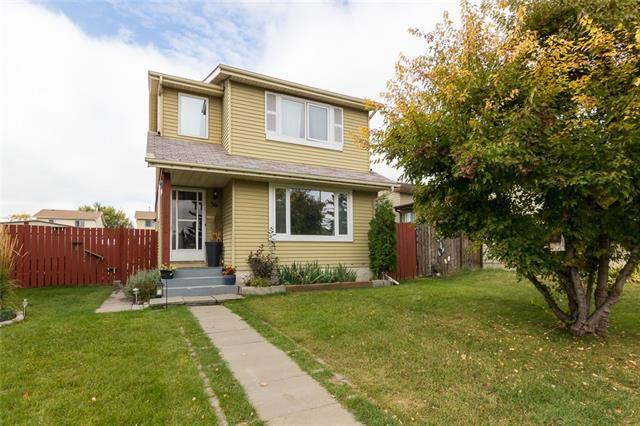 36 Erin Mount Crescent SE, Calgary, AB T2B 2S3 (#C4206760) :: Redline Real Estate Group Inc