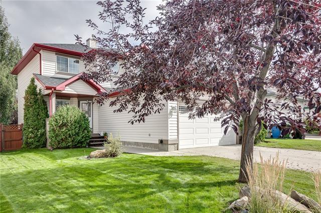 20 Bridlecreek Heath SW, Calgary, AB T2Y 3N5 (#C4206846) :: Redline Real Estate Group Inc