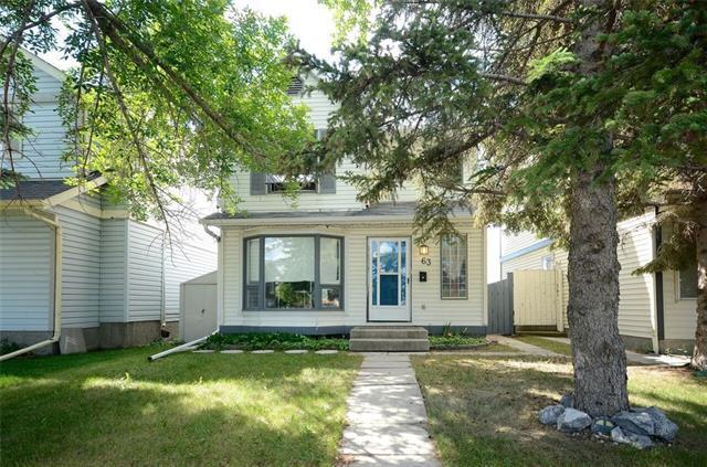 63 Castlegrove Road NE, Calgary, AB T3J 1W1 (#C4207938) :: Redline Real Estate Group Inc