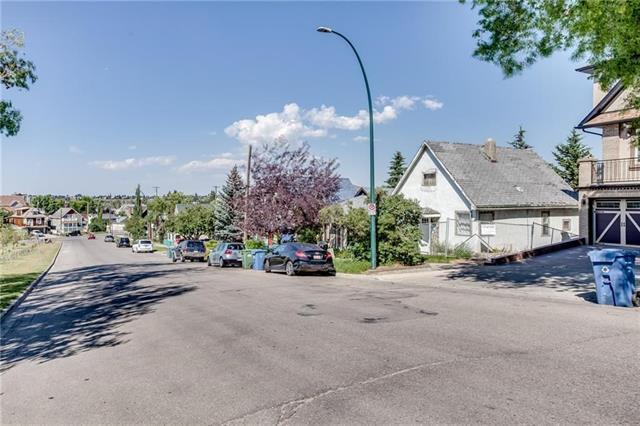 1106 Bellevue Avenue SE, Calgary, AB T2G 4L1 (#C4207939) :: The Cliff Stevenson Group