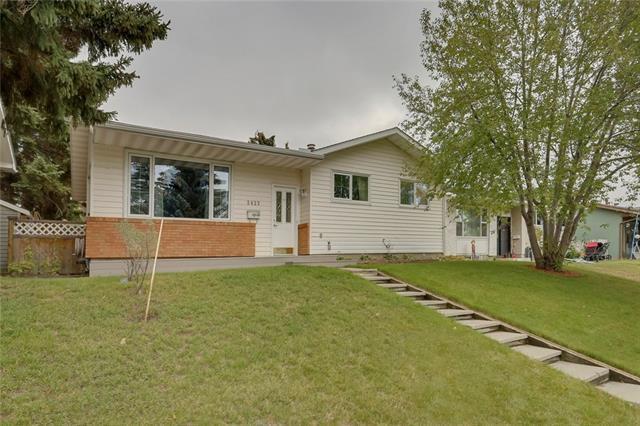 2423 Vista Crescent NE, Calgary, AB T2E 6J2 (#C4207986) :: Your Calgary Real Estate