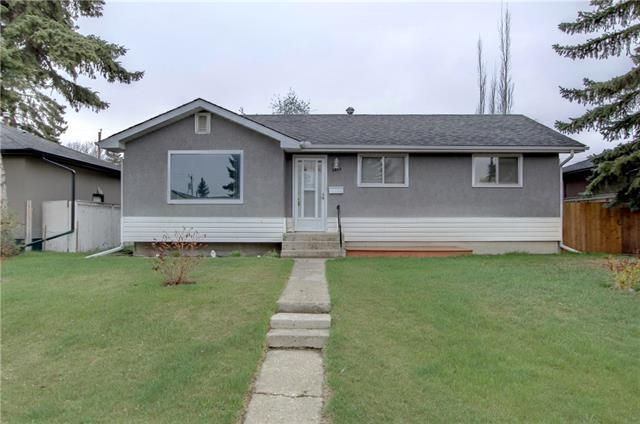 2215 45 Street SE, Calgary, AB T2B 1K1 (#C4208048) :: Canmore & Banff