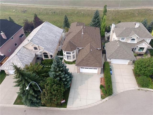 134 Sceptre Close NW, Calgary, AB T3L 1Y1 (#C4208109) :: Redline Real Estate Group Inc