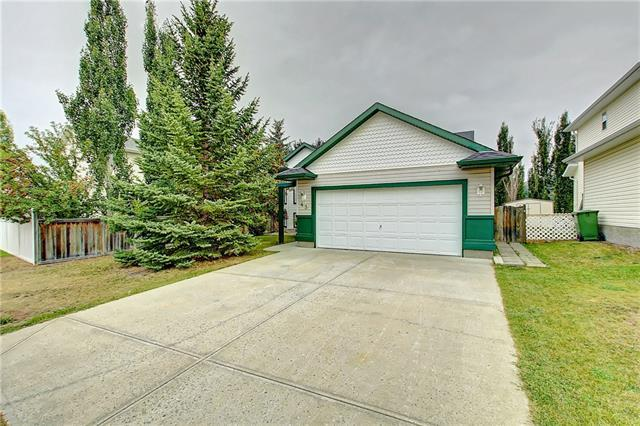 43 West Terrace Crescent, Cochrane, AB T4C 1R7 (#C4208118) :: Your Calgary Real Estate